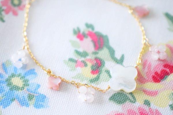 白蝶貝のブレス