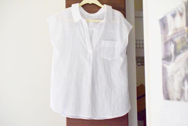 Jinesのバックりぼんシャツ