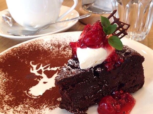 「ATELIER CAFE」キラリトギンザ5Fアトリエカフェで淹れたてコーヒーを飲みながらゆったりハンドメイド。