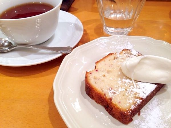 苺ミルクケーキ