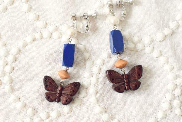 蝶々のイヤリング