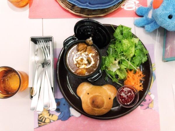 銀座のペネロペカフェでビーフシチュープレートを味わいました。可愛くて美味しくて、幸せ!